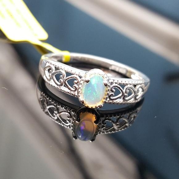 Jewelry - Ethiopian Welo Opal